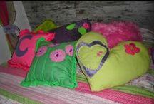 cojnes, pillow / by almudena y carmen