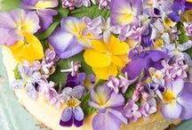 edible flowers cake