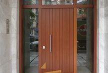 Πόρτα Εισόδου Παντογραφική