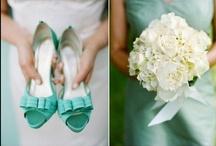 wedmood | theme: tiffany / Wedding planning mood board for weddings with a peculiar tone of blue theme: Tiffany!