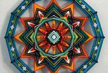 Mandalas en tejido Huichol, atrapasueños