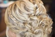 Hair-dos and Hairstyles / Hairstyles and Hair-dos that will make you want to redo your hair!