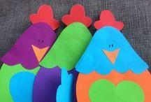 Winkel decoraties van Crea-Art op een rij.... / Vind jij onze vrolijk gekleurde creaties ook zo leuk... Maak met behulp van deze patroonbladen de decoraties zelf, thuis of op school.