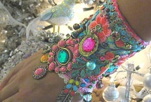 Beading & Jewelry Making / by Michelle Zebralan