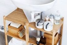 bathroom / inspiratie voor kleine badkamer. Groen, wit en zwart, bamboematerialen