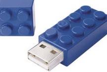 USB Flash drives / A small selection of USB flash drive models