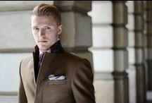 Elegancki mężczyzna w płaszczu