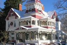 Victorian houses / Old Victorian architecture