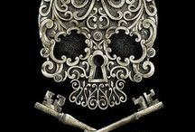 Skulls / a variety of skulls