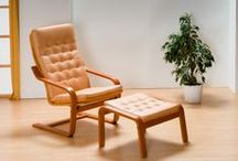 Sofas / Sedací nábytok JECH. Ponúkame perfektné remeselné spracovanie, masívnu drevenú konštrukciu, viac ako 300 druhov poťahových látok, 10 farebných odtieňov dreva, záruku 5rokov. Sedacie súpravy ani ďalší nábytok nie je nutné objednávať v celých zostavách, ale máte možnosť výberu - samostatné sedačky, kreslá, stoličky alebo stolíky. Vybranú sedaciu súpravu vám dodáme v prevedení rozkladacia, rohová, kožená, látková, úložná alebo pevná.