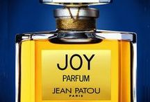 Perfumes World / by naffah 66