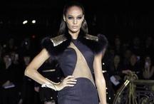 Défilé de Mode - Printemps Eté 2013  / Je vous présente ici , tous mes coups de coeur venant tout droit des podiums des défilés de mode Haute couture Printemps Ete 2013  ! Les grands m'ont encore une fois fait rêver !
