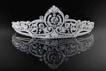 Antiques/ jewels/fashion/people/Royal