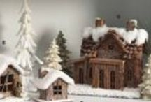 Frosty Winter Lodge Themed Christmas Decorations / Bring the frosty beauty of the outdoors in with these frosty winter lodge themed decorations