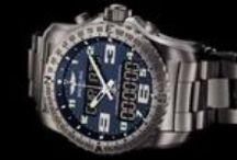 Breitling  / Breitling es una marca alemana de relojes de lujosuizos Breitling producidos por SA, una compañía privada con sede en Grenchen, Cantón de Solothurn (originalmente fundada en Saint-Imier, Bernese por Léon Breitling en 1884). La compañía ofrece certificados Cronómetros exclusivamente en todos los modelos desde 2000.