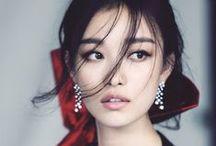 ❧ Lady attributes / fashion, classic style