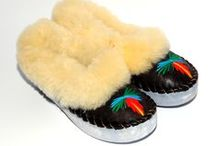 furry slippers / soft and warm slippers