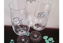 FLUTES MATRIMONIO ♥ WEDDING FLUTES / Bicchieri/Flutes personalizzati, decorati a mano, ornati con cristalli, fiocchi e altri dettagli a richiesta. WEDDING FLUTES