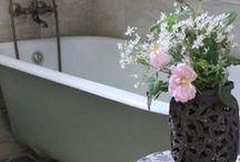 - Badkamer - / Badkamer inspiratie opdoen kan hier! Mooie voorbeeld foto's van de laatste badkamertrends vind je ook op: http://www.woontrendz.nl/badkamer-inspiratie/