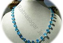 Blue Topaz Gemstone Beads / Blue Topaz gemstone - is an exotic gemstone used in jewelry item. Apart from being used as jewelry it is also equipped with various healing powers and is considered as the best gemstone to be used for treatment of asthma, weak eye side, insomnia, and insanity.
