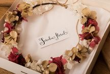 Coronas de flores / Coronas y tocados florales para el pelo realizados por Sarabia floral