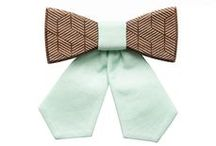 BeWooden bow ties for ladies / Each woman is unique but they all share charm and tenderness. We want to be different but also stay true to ourselves. We want our accessories to attracts attention, but without too much 'bling', just highlighting our personal style.