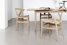 CH24 / The wishbone chair by Hans J Wegner.