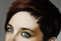 Do my hair / Mostly pixie/short haircuts and some playing with colours.