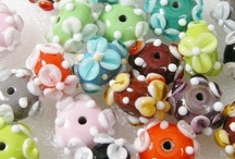 Flowerbeads - Bloemenkralen / Artisan homemade lampwork glass beads... Take a look at my website for available beads... www.ireneskralen.nl