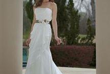 A white princess / ᒪOᐯEᒪY ᗯᕼITE ᗪᖇEᔕᔕEᔕ TO ᗰᗩKE YOᑌ ᖴEEᒪ ᒪIKE ᗩ ᑭᖇIᑎᑕEᔕᔕ