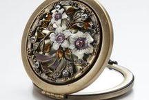 Mirror for purse / リスベスダールのコンパクトタイプのミラーです。