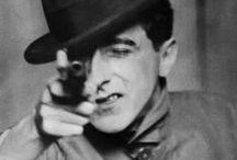 Jean Cocteau / ''Οι καθρέφτες καλά θα έκαναν να σκέπτονταν προτού επιστρέψουν τα είδωλα.''