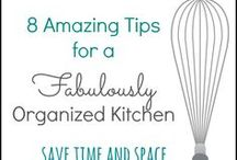 Organize Your Kitchen / Kitchen hacks to keep you organized and cooking like a pro!