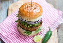 Burgers & Sandwiches / Healthy burgers, sandwiches and healthy side dishes to go along with them! Healthy lunch or dinner recipes that are easy to make!