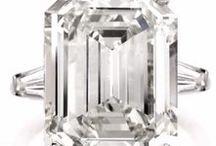 Antique Engagement Ring / Diamond & Platinum Antique Engagement Rings.