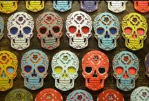 Dia De Los Muertos / Dia De Los Muertos ideas, crafts, treats and more!  / by Spoonful