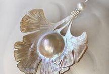 Raw Pearls & Gems / by Nurit Zodrow