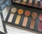 Eyeshadow Palettes / favorite eyeshadow palettes, makeup, eyeshadow, makeup looks, eyeshadow reviews, makeup reviews, beauty blogger, Canadian beauty blogger, bbloggerca, Calgary, eye looks, palette reviews