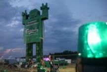 Giant Statue Made From 5 000 Carlsberg Crates! / Giant Carlsberg Man was constructed in Poland on Woodstock Festival.
