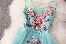Lace dress & embroidery dress