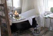bathrooms / wash up