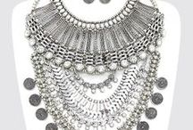 Statement Necklace / Make a statement with these pieces!