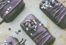 Healthy Chocolate (For Realsies!) / I'm completely obsessed with chocolate; the darker, the better. And the great news is that it's HEALTHY (in moderation, of course). Some of my favorite recipes that are low sugar and grain free.