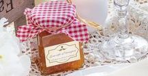 DIY-Gastgeschenke für die Hochzeit / Persönliche Gastgeschenke lassen sich wunderbar selbermachen. Der Vorteil: Ihr könnt die Give Aways perfekt auf Euer Hochzeitsthema wie z.B. eine VintageHochzeit abstimmen.