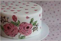 Cakes / tartas fondant / Aquí os dejo mis creaciones hechas con fondant y con mucha ilusión. Nuestro Blog: www.lafabricadetartas.blogspot.co.uk