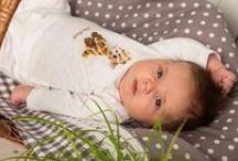unisex setjes van Dirkje babykleding / Hier vind u een pagina met alle uniseks kleding voor baby's. De setjes zijn prachtig afgewerkt en heel comfortabel. Leuk te geven als een kraam cadeau