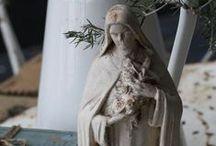 Madonna statues / Ave Maria, gratia plena Dominus tecum