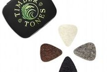 FELT TONES MINI / Felt Tones Mini are manufactured from the finest quality UK sourced High density Wool Felt. 4 Different Colours, 2 thicknesses, 2 of them are also stiffened. They are a scaled down smaller version of the classic 351 Guitar Plectrum shape and are precise Picks with a Jazz III like feel, ideal for precise picking on the Ukulele. A range of Tones are available by experimenting with the 4 different Felts.