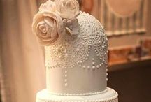 Awesome Cake Ideas! / Check out these amazing cakes that will fit perfectly with your theme!