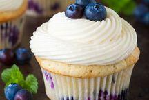Cupcakes/muffins / Yum / by Sondos Nasser 💁🏼
